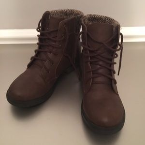 Other - Brown low boots